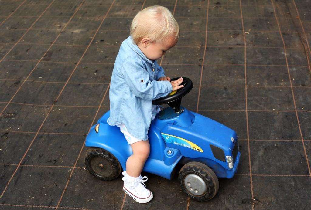 milla na traktorze
