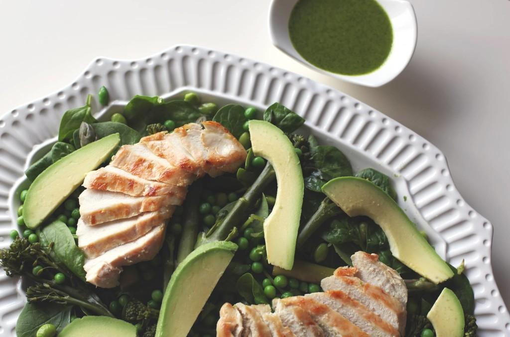 zielona salatka z kurczakiem