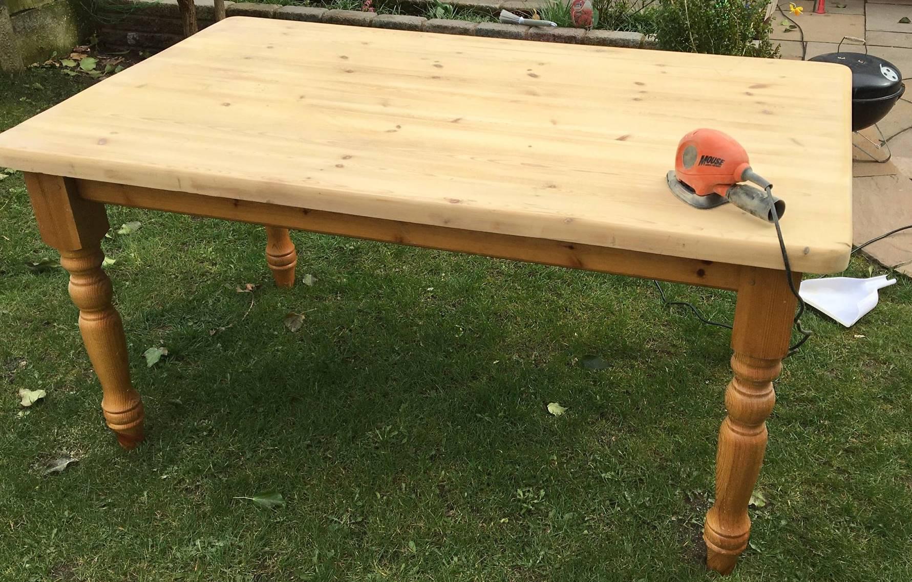 metamorfoza drewnianego stolu